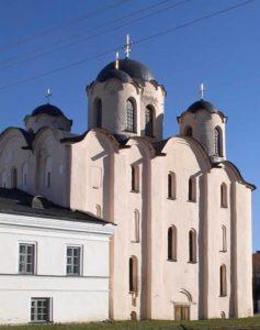 Николо-Дворищенский собор на Ярославовом дворище в Великом Новгороде