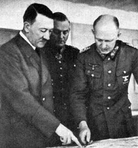 Альфред Йодль с Адольфом Гитлером.