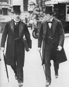 Дэвид Ллойд Джордж, канцлер Казначейства, и Уинстон Черчилль