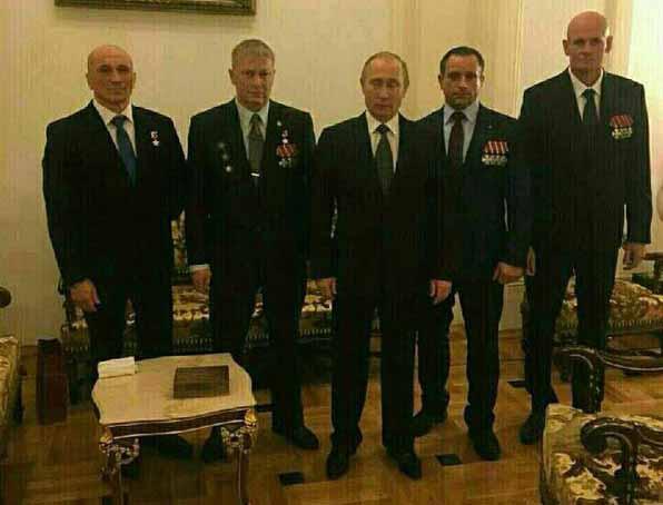 ЧВК Вагнер Подполковник Дмитрий Уткин (крайний справа).