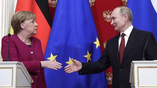 Пресс-конференция В. Путина и А. Меркель